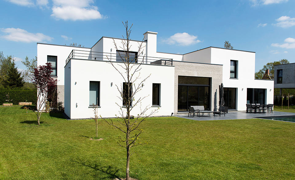 Maison d 39 architecte r alis e par pouwels ab architecte for Facade maison cubique
